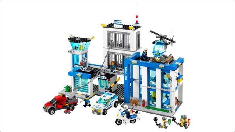 lego city ausbruch aus der polizeistation 60047. Black Bedroom Furniture Sets. Home Design Ideas