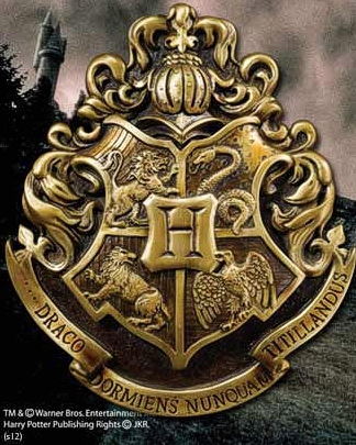 Wandschmuck: Harry Potter - Hogwarts School Crest (28 x 31cm)